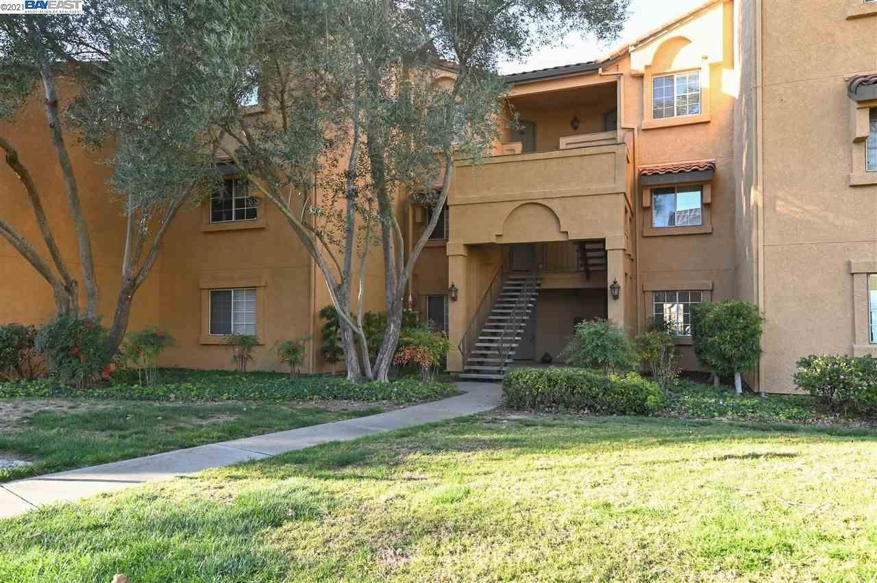 Residential for Sale at 765 Watson Canyon Court San Ramon, California 94582 United States