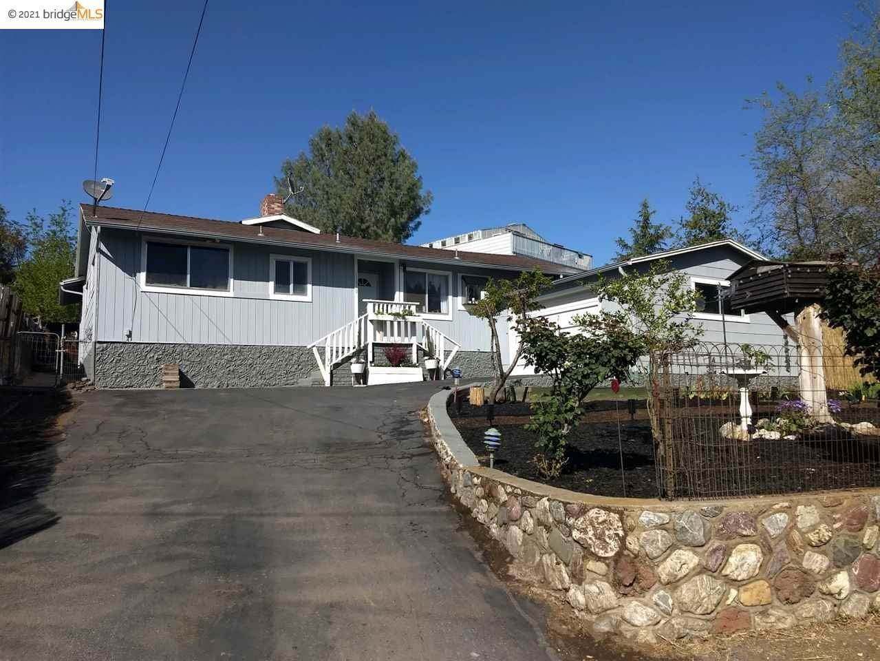Residential for Sale at 13910 Manakee Clearlake, California 95422 United States