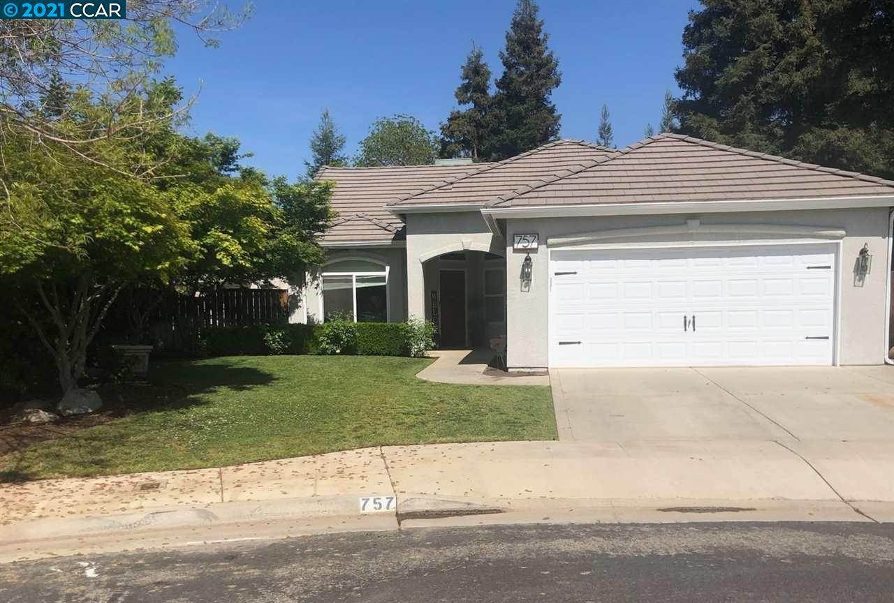 Residential for Sale at 757 Coventry Avenue Clovis, California 93611 United States
