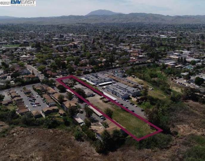 Multi-Family Homes por un Venta en 201 Wilbur Avenue Antioch, California 94509 Estados Unidos