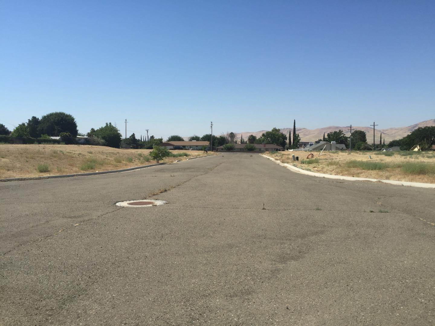 Land / Lots for Sale at 712 Modoc Avenue Avenal, California 93204 United States