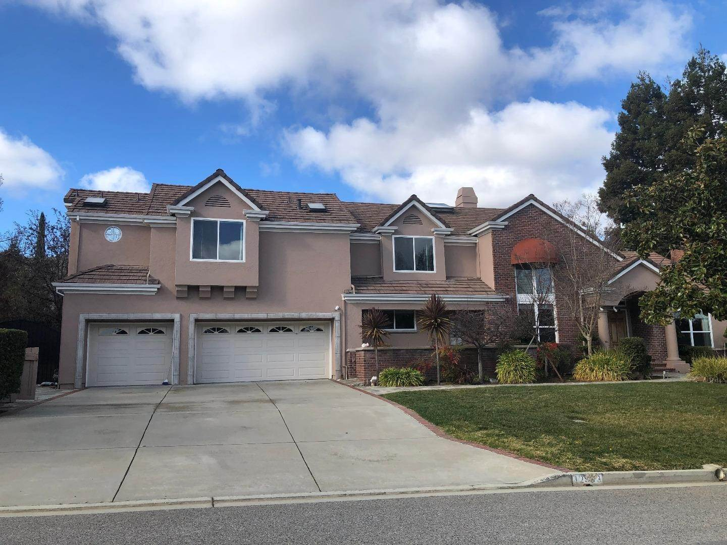 Options de Location à 12393 Beauchamps Lane Saratoga, Californie 95070 États-Unis