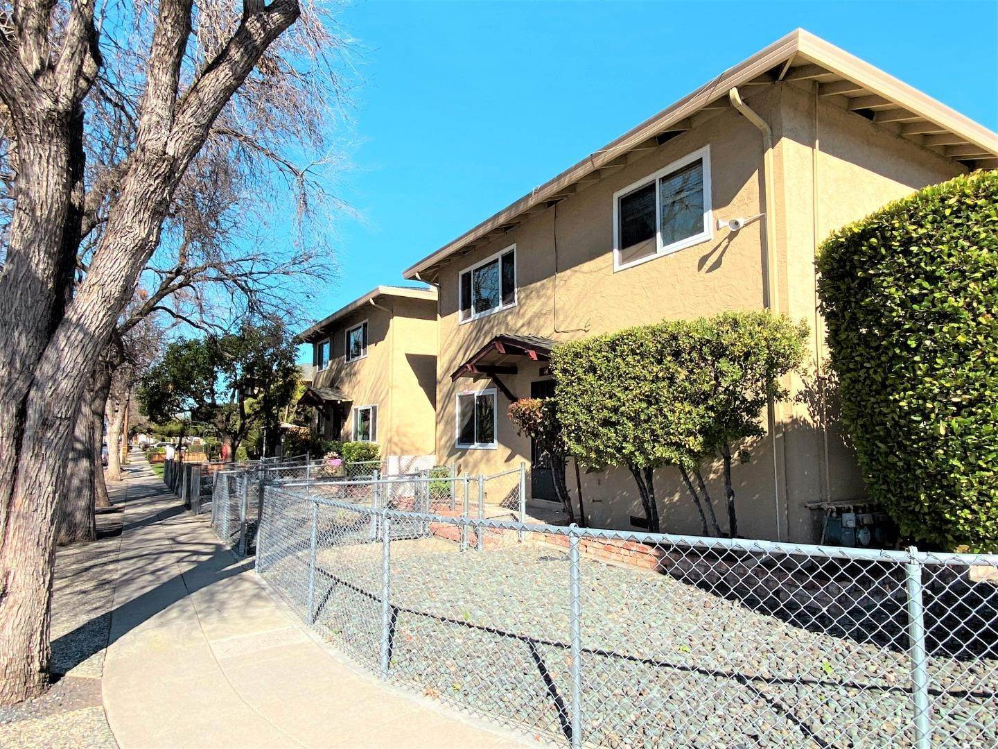 Multi-Family Homes por un Venta en 14 Lavonne Drive Campbell, California 95008 Estados Unidos