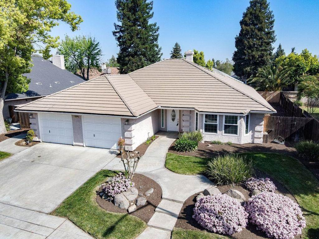 Residential for Sale at 2425 Lincoln Avenue Clovis, California 93611 United States