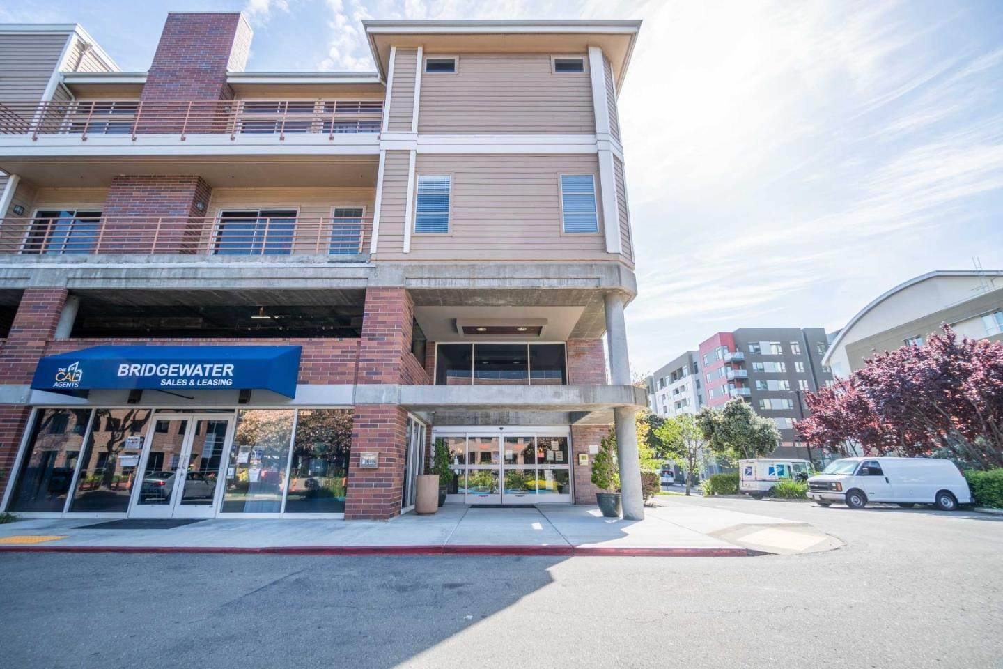 Lease Options at 6400 Christie Avenue Emeryville, California 94608 United States