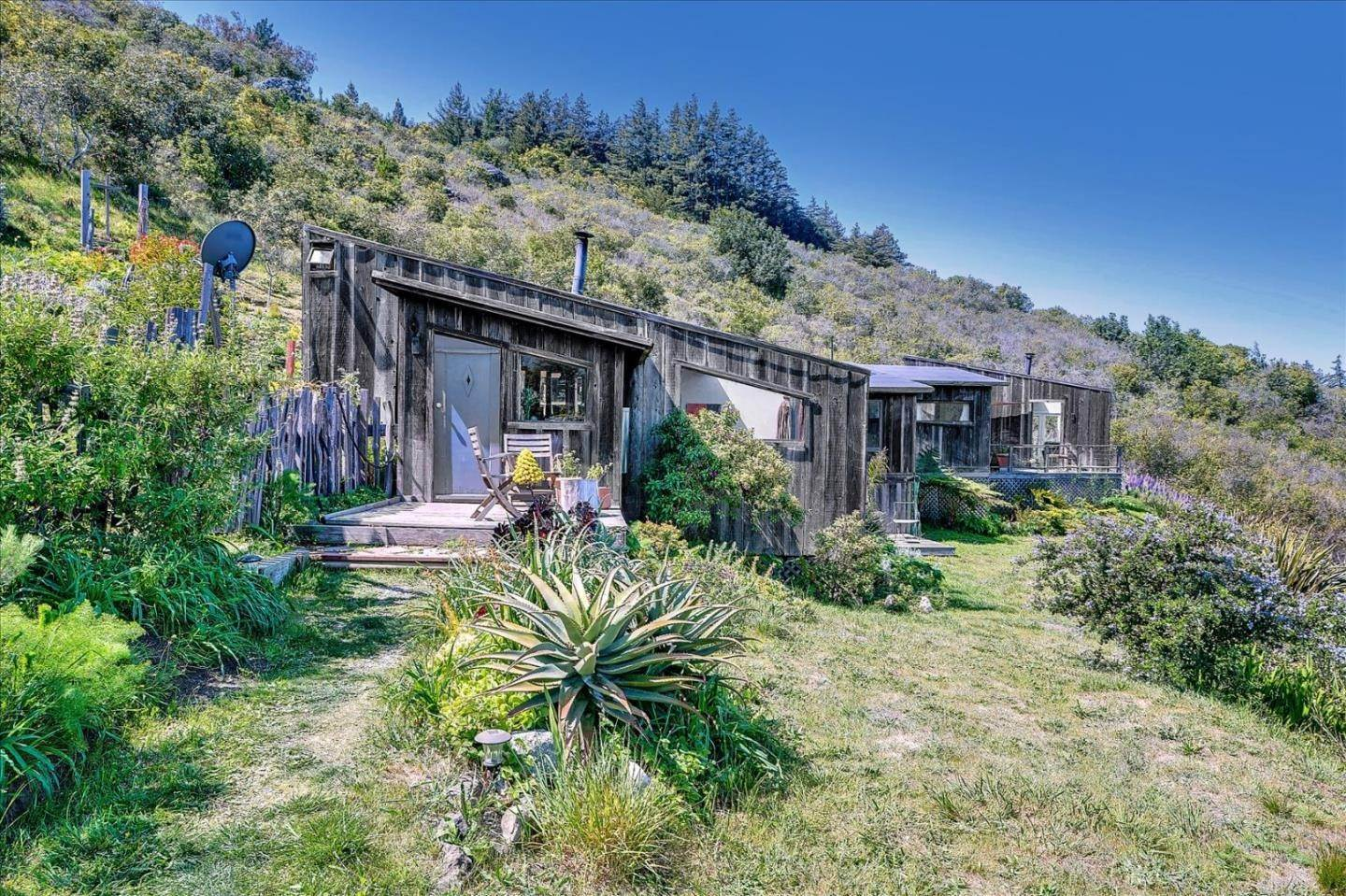 Residencial por un Venta en 46190 Clear Ridge Road Big Sur, California 93920 Estados Unidos
