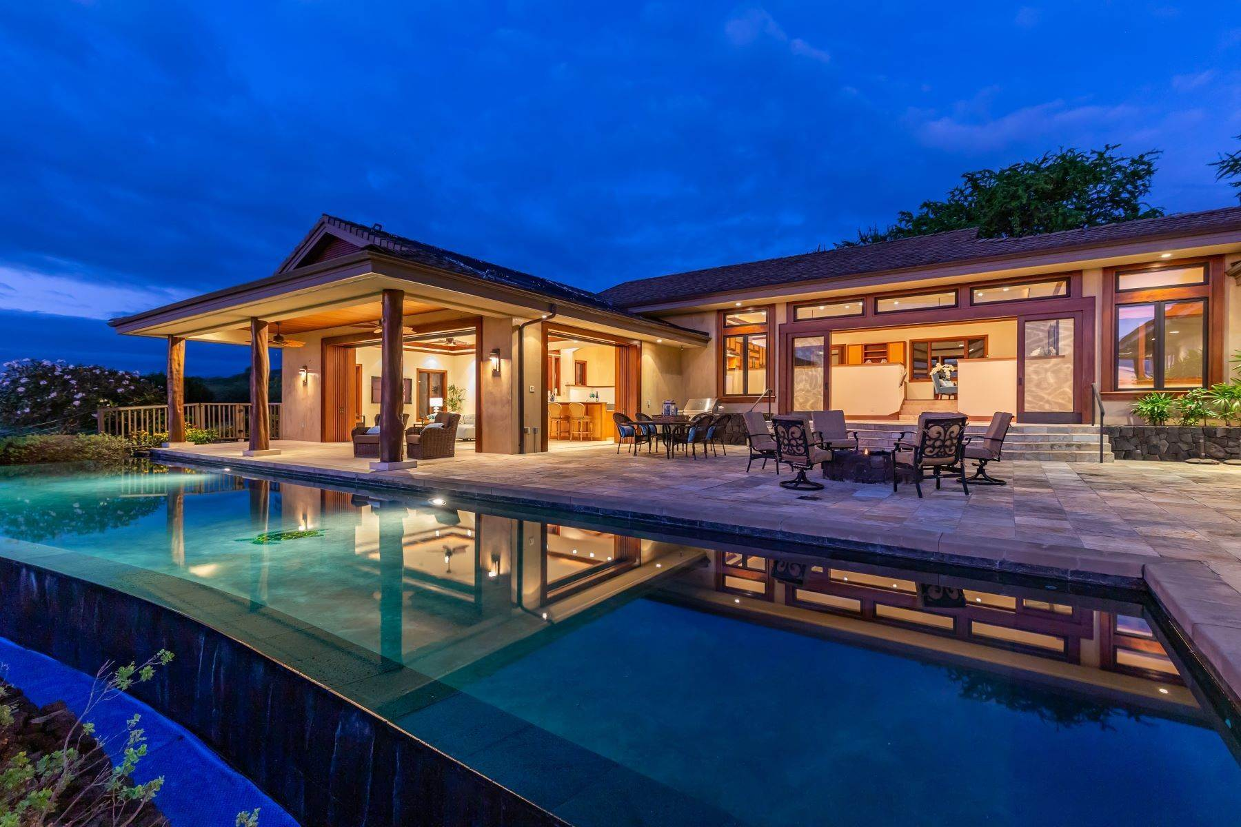Single Family Homes for Sale at 81-580 Kaiue St, Kealakekua, HI 96750 81-580 Kaiue St Kealakekua, Hawaii 96750 United States