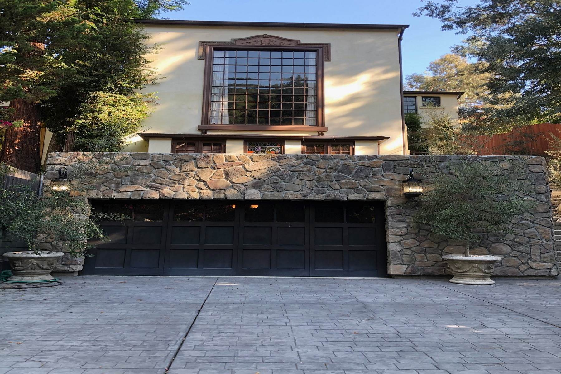 Single Family Homes 在 8249 Lookout Mountain Avenue 洛杉矶, 加利福尼亞州 90046 美國